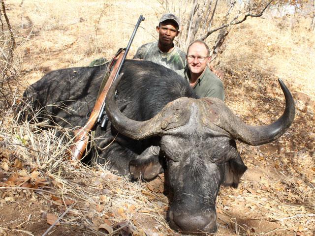 Buffelo, 416 Rem Mag, 400 gr BushMaster, 35 yards, broadside shot.